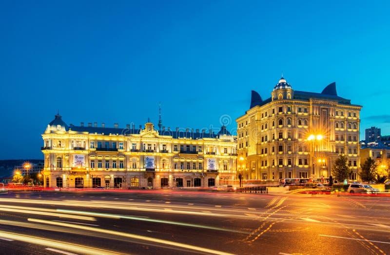 Place d'Azneft le 30 mai à Bakou, Azerbaïdjan photographie stock libre de droits