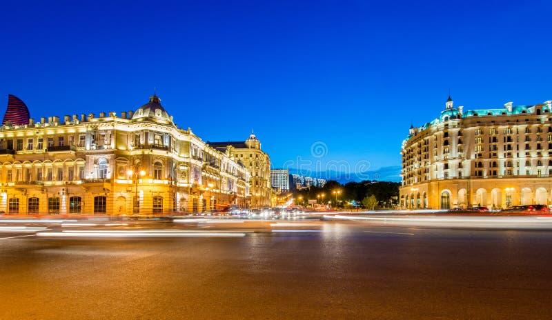 Place d'Azneft le 30 mai à Bakou, Azerbaïdjan photo libre de droits