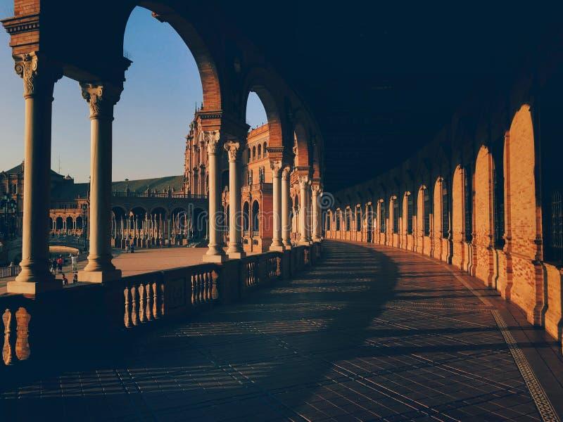 Place d'Espagne à Séville à l'heure d'or photos libres de droits