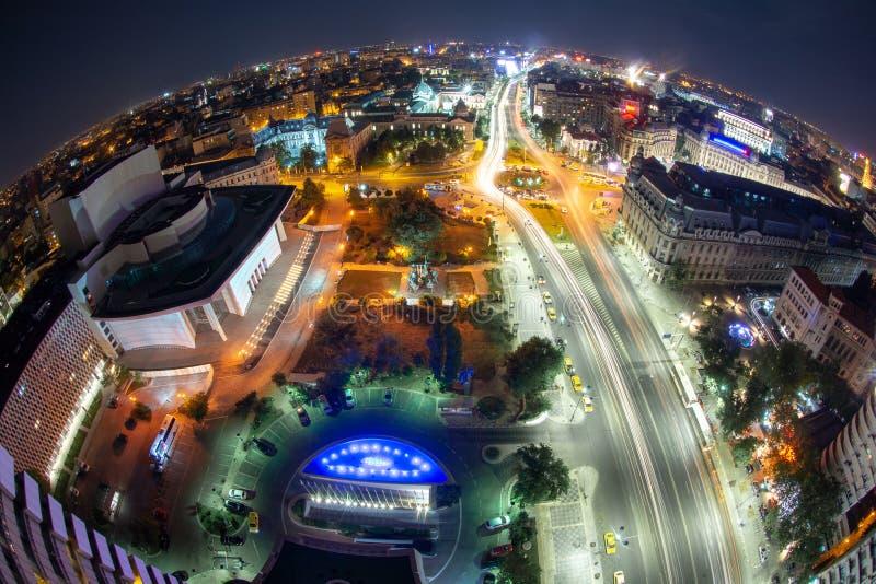 Place d'université, vue de Bucarest, Roumanie d'hôtel intercontinental, paysage urbain de nuit photographie stock libre de droits