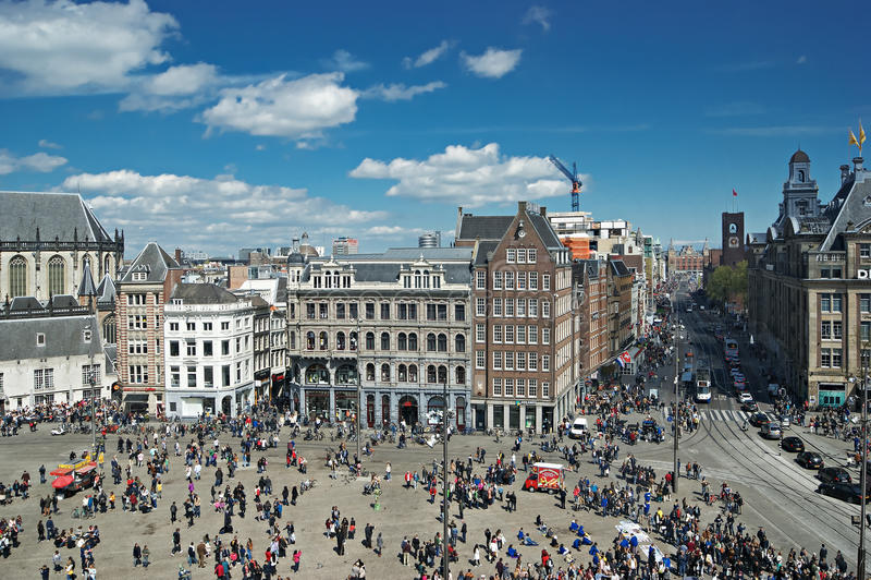 Place de barrage dans la vue supérieure d'Amsterdam images stock