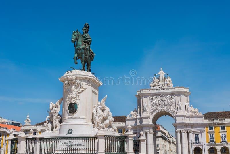 Place de commerce et statue du Roi Jose Lisbon Portugal photos libres de droits