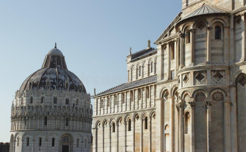 Place de Duomo à Pise, Italie photos libres de droits