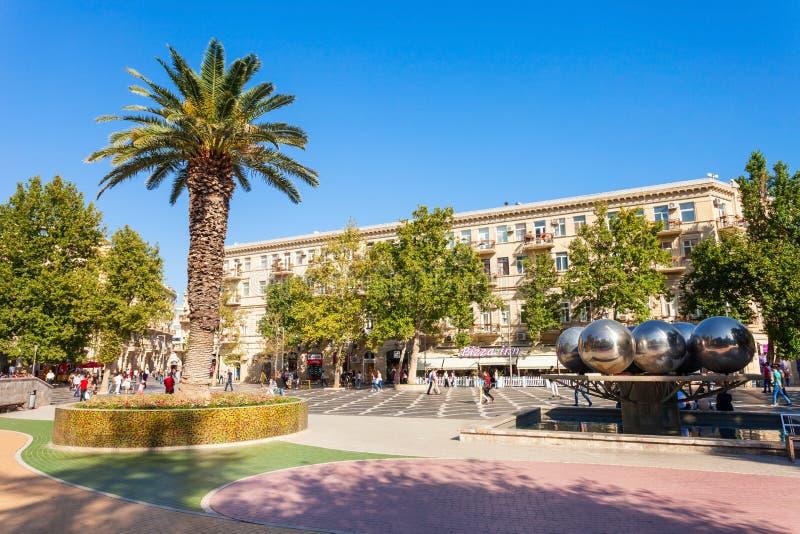Place de fontaines à Bakou images stock