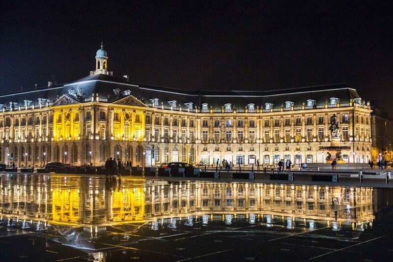 Place de la Bourse Miroir d UCE image stock
