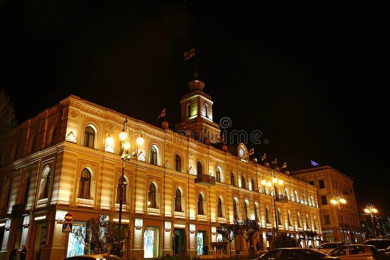 Place de liberté à Tbilisi avec le monument de liberté, la Géorgie photo libre de droits