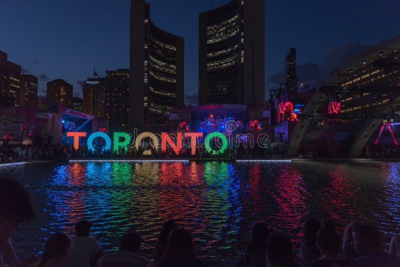 Place de Nathan Phillip à Toronto images libres de droits