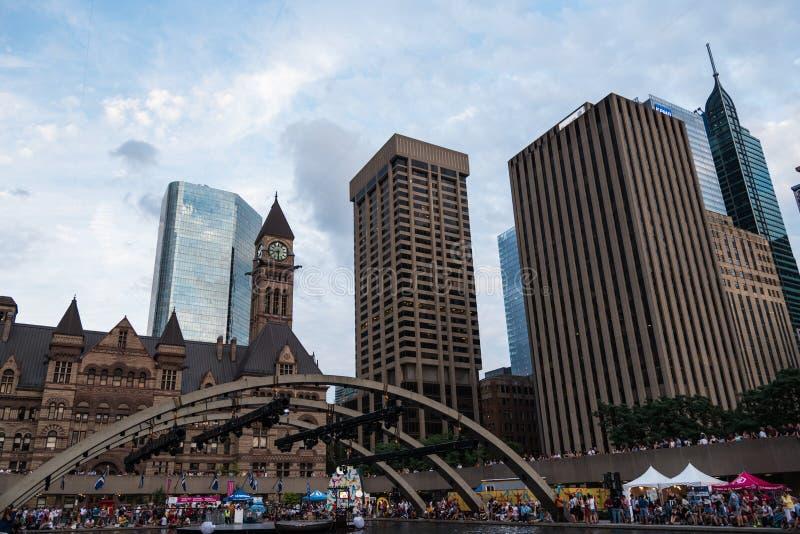 Place de Nathan Phillip à Toronto photographie stock libre de droits