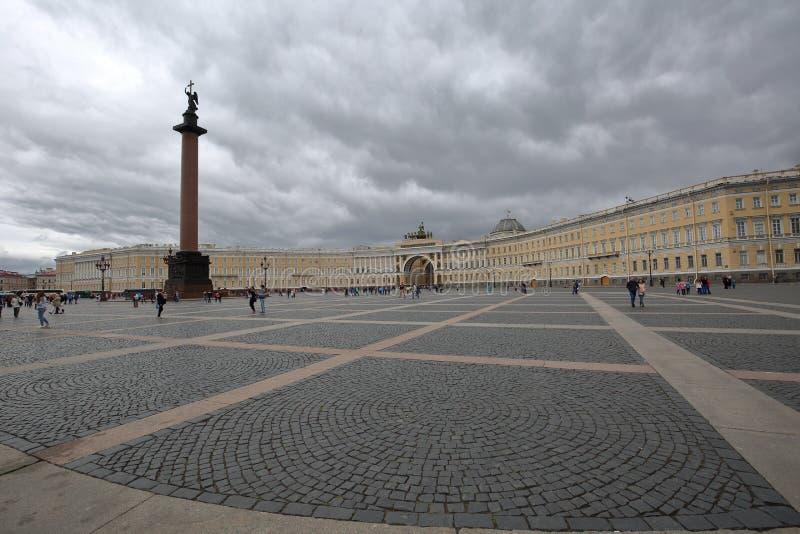 Place de palais de St Petersbourg image stock