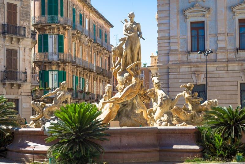 Place de Piazza Archimede Archimede à Syracuse image libre de droits