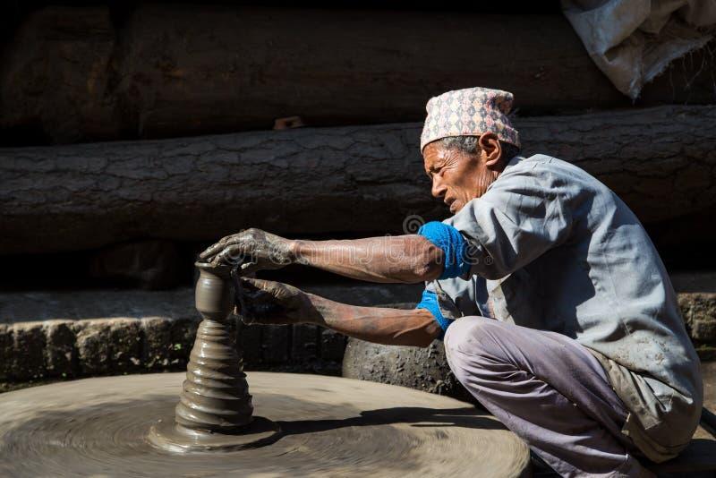 Place de poterie dans Bhaktapur, Népal image libre de droits