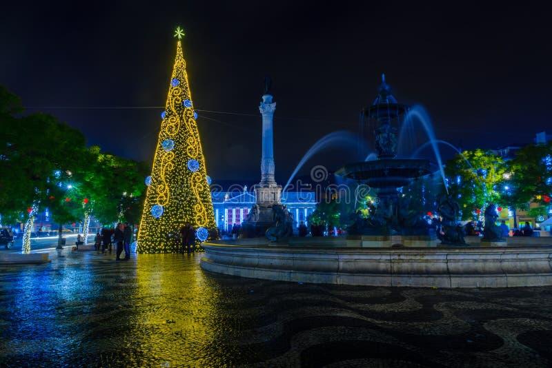 Place de Rossio Pedro IV, avec un arbre de Noël, Lisbonne image libre de droits