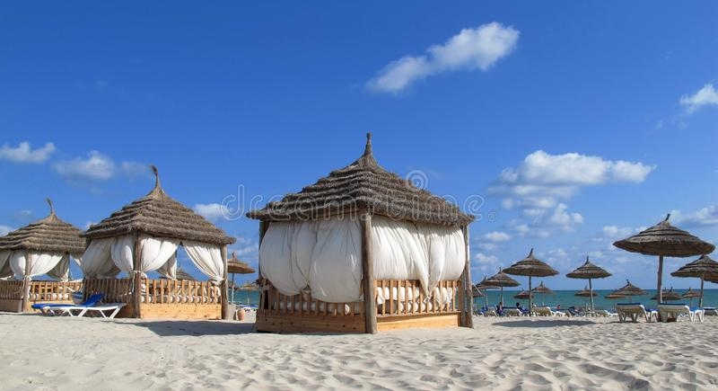 Place de station thermale sur la plage images libres de droits