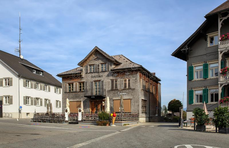 Place de village Village d'Alberschwende, état de Vorarlberg, Autriche photos libres de droits