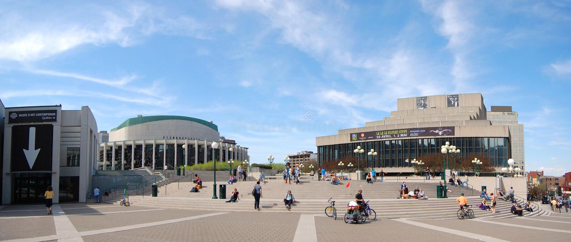 Place des Arts panorama in Montreal van de binnenstad stock foto's
