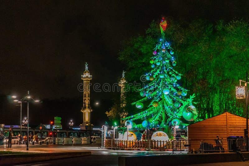 Place Des Quinconces bij nacht in Bordeaux, Frankrijk royalty-vrije stock afbeeldingen