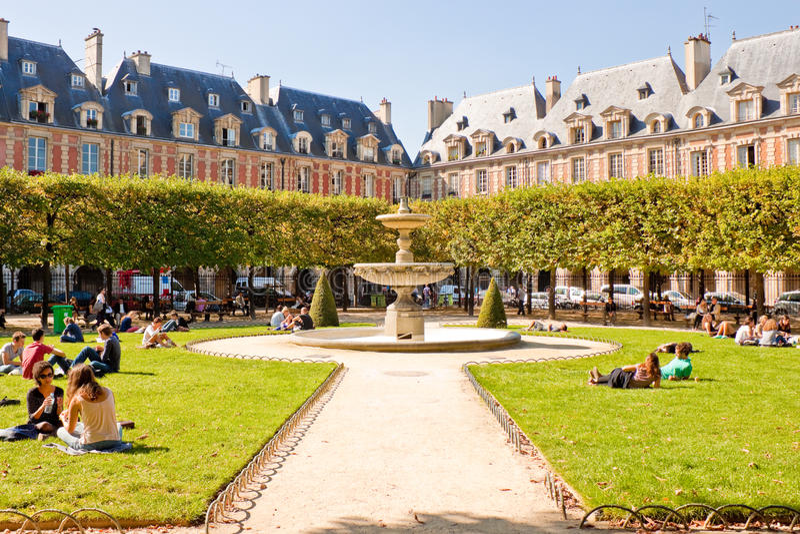 Download Place des Vosges, Paris editorial stock image. Image of place - 35246694