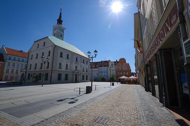 Place du marché avec l'hôtel de ville à Gliwice, Pologne image libre de droits
