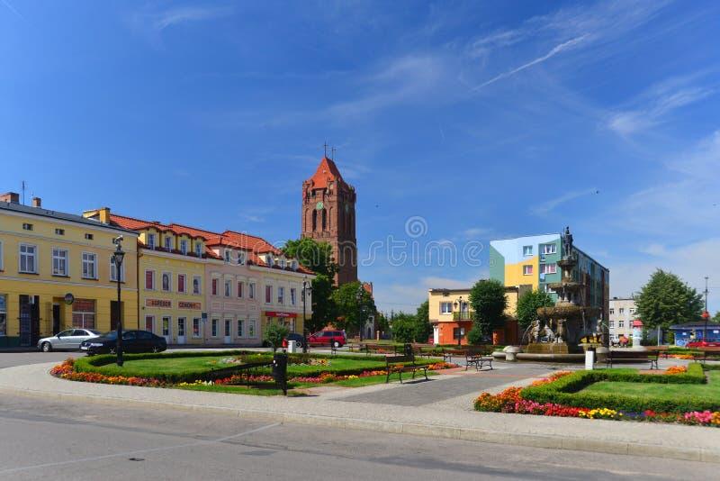 Place du marché dans une petite ville images libres de droits