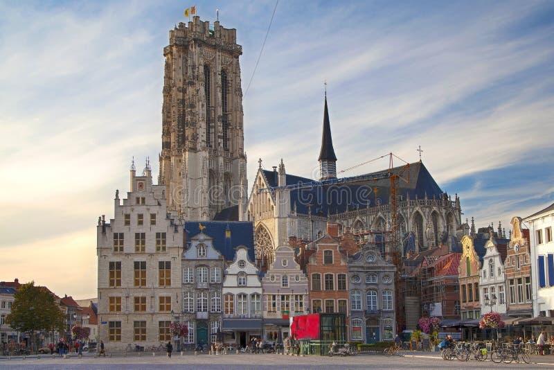 Place grande du marché de Mechelen photos stock