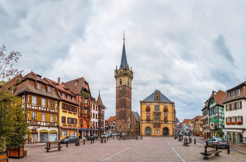 Place principale dans Obernai, Alsace, France images libres de droits