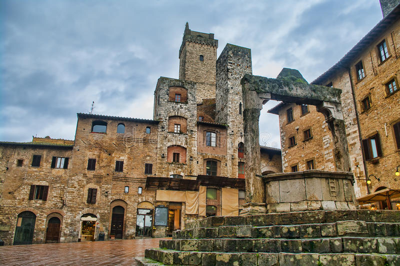 Place principale de San Gimignano, Toscane photographie stock libre de droits