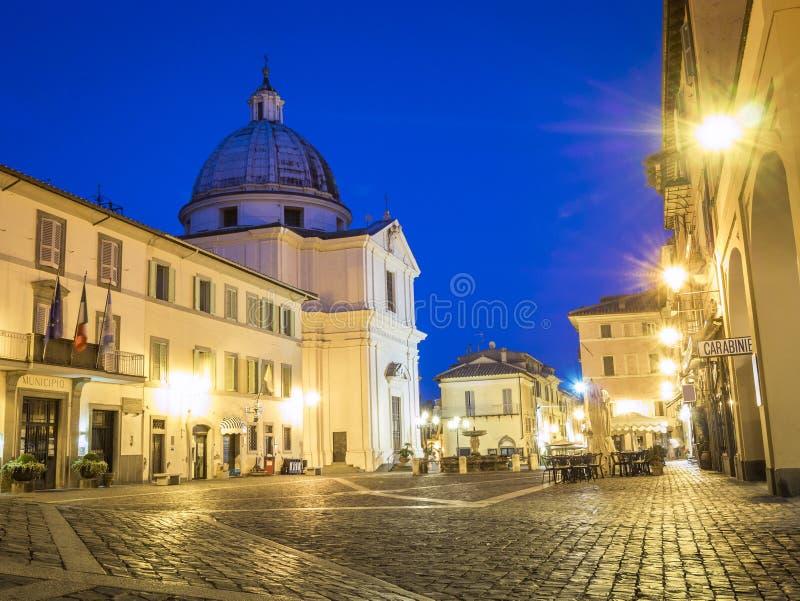Place principale en Castel Gandolfo, pope& x27 ; résidence d'été de s images libres de droits