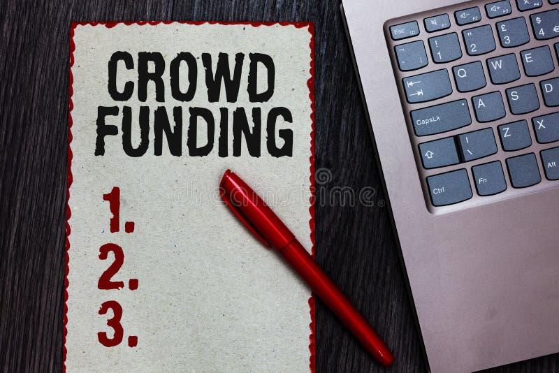 Placement de foule d'écriture des textes d'écriture Les donations de démarrage collectantes des fonds de plate-forme d'engagement images libres de droits