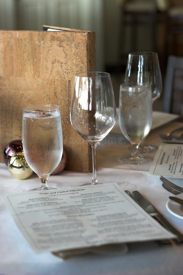placera restauranginställningen royaltyfri foto