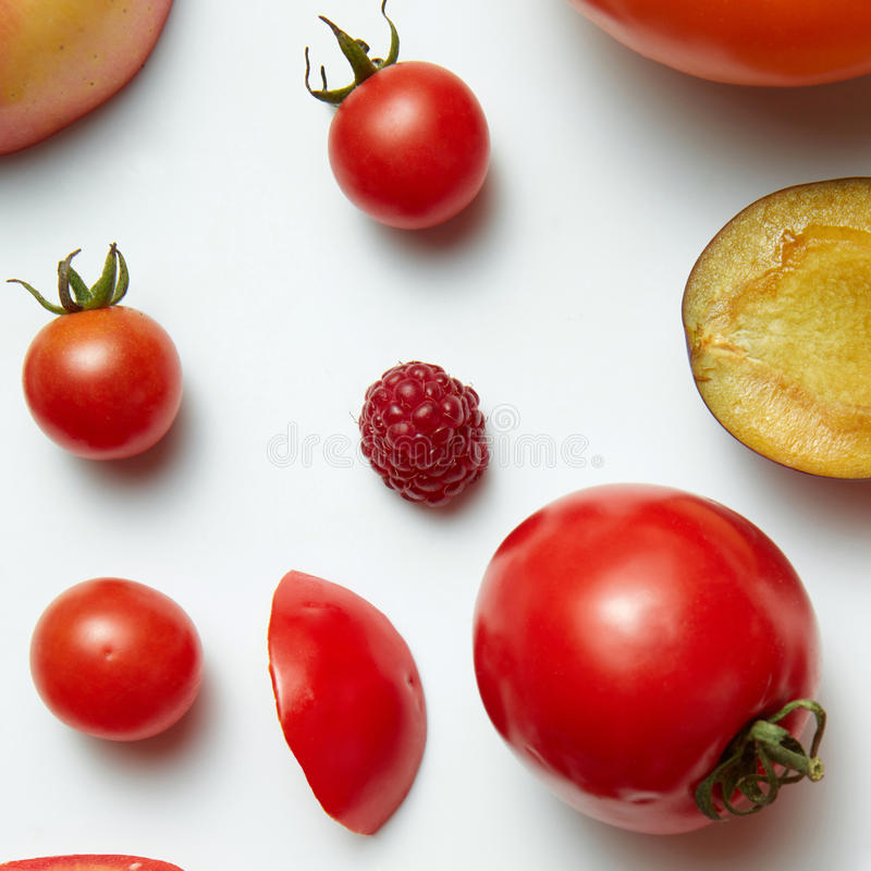 Placez avec des fruits, des baies et des légumes photographie stock libre de droits