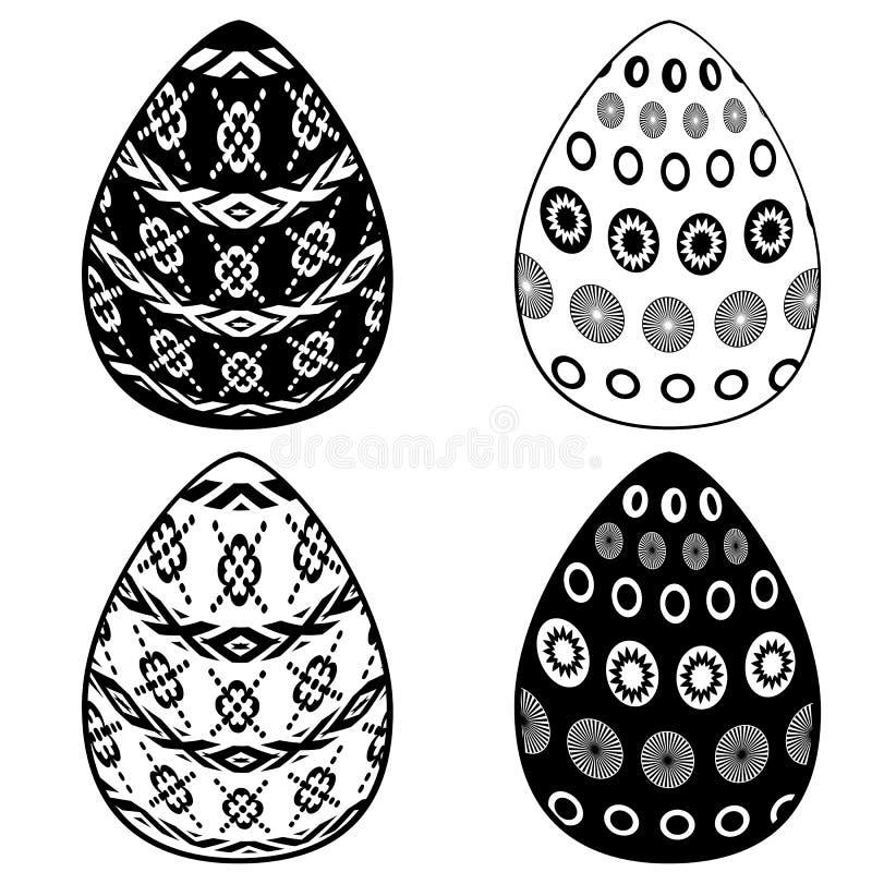 Placez de quatre modèles d'oeufs de pâques - blanc et noir sur le fond blanc photo libre de droits