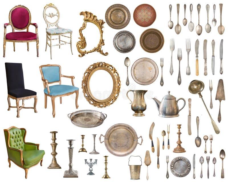 Placez de 8 vieux articles magnifiques de cru Vieux plats, appareils, bouilloires, chaises, livres, broyeur de caf?, chandeliers, image stock
