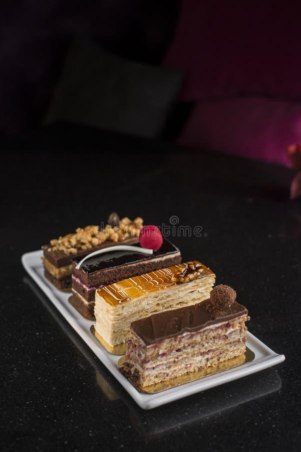 Placez des diverses pâtisseries texture crémeuse croustillante et crémeuse photo libre de droits