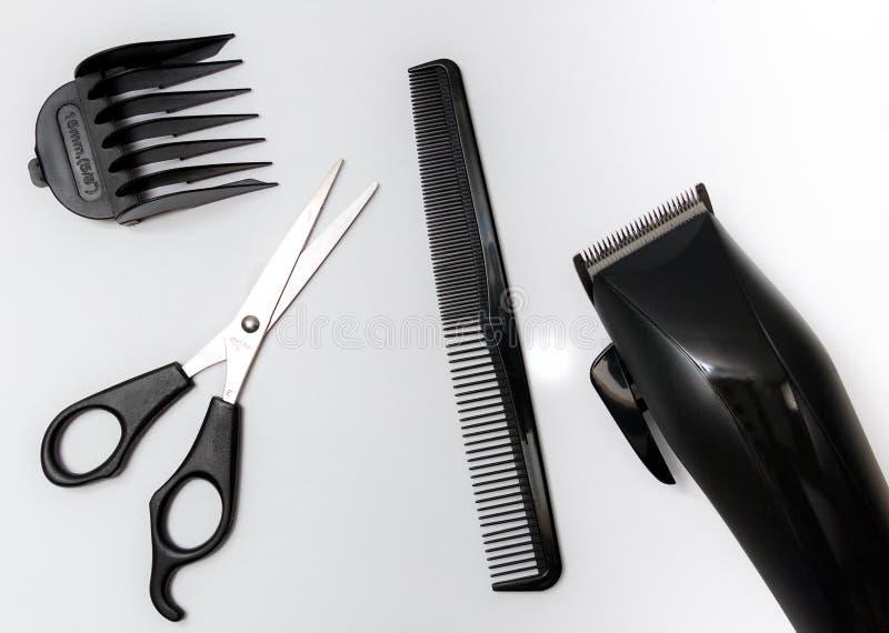 Placez des outils pour la coupe de cheveux, ciseaux, peigne photo libre de droits
