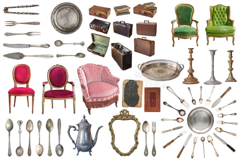 Placez des vieux articles magnifiques de cru Vieux plats, appareils, bouilloires, chaises, livres, broyeur de caf?, chandeliers,  image stock