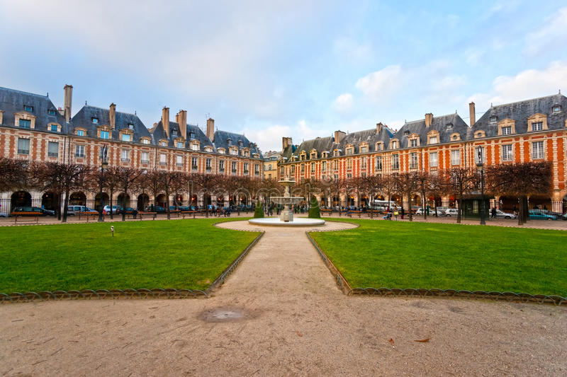 Placez DES VOSGES à Paris, France photos stock