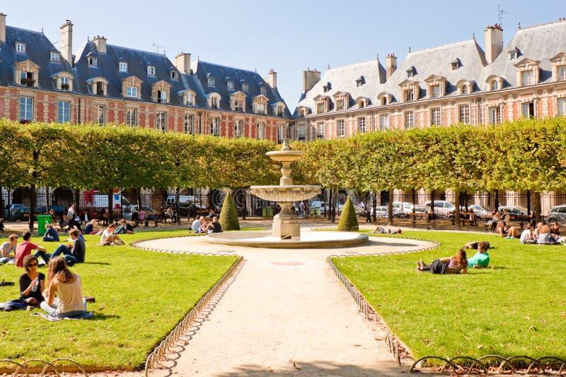 Placez DES VOSGES, Paris images stock