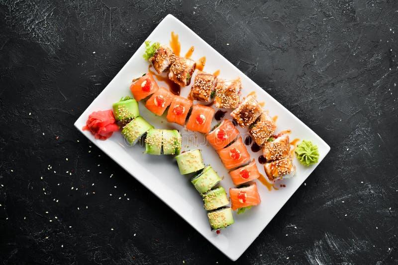 Placez le petit pain de sushi Plat traditionnel chinois photos libres de droits