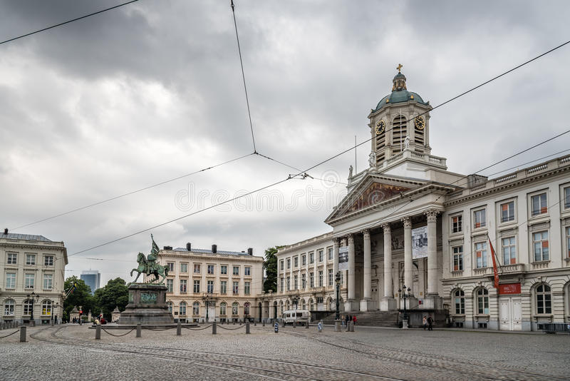 Placez Royale au centre de Bruxelles par jour nuageux d'été images stock