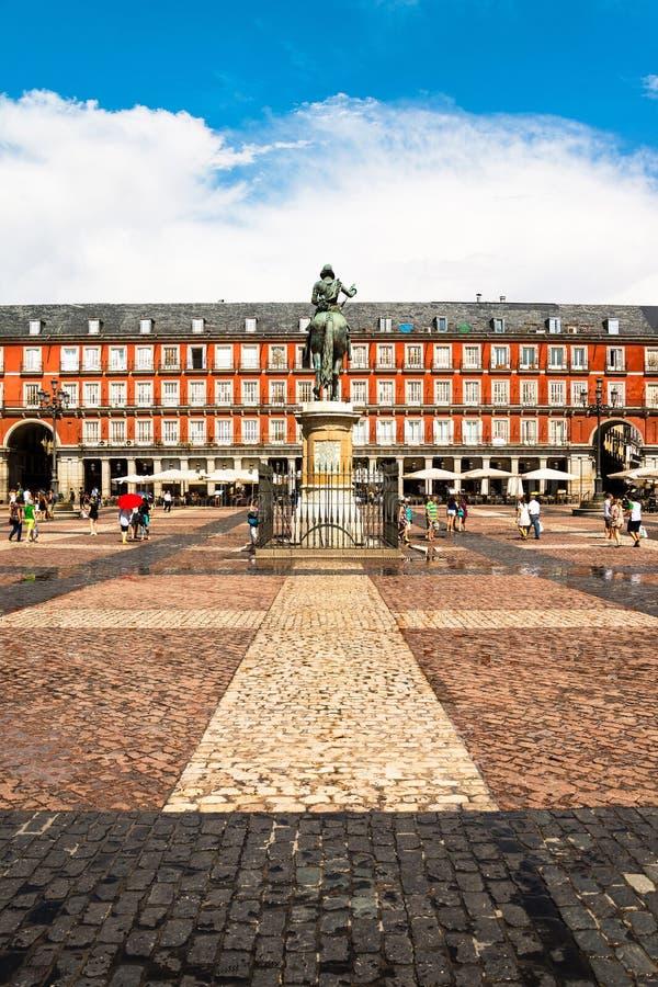Placu Mayor z ludźmi w Madryt podczas dnia obraz royalty free
