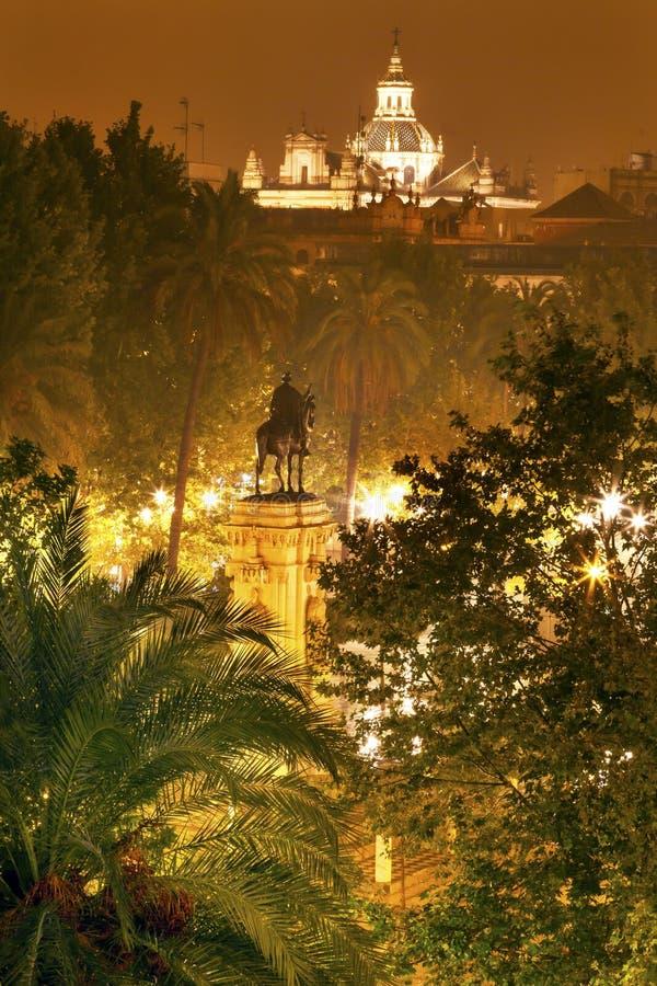 Placu Nueva Ferdinand statua Seville Hiszpania obrazy stock
