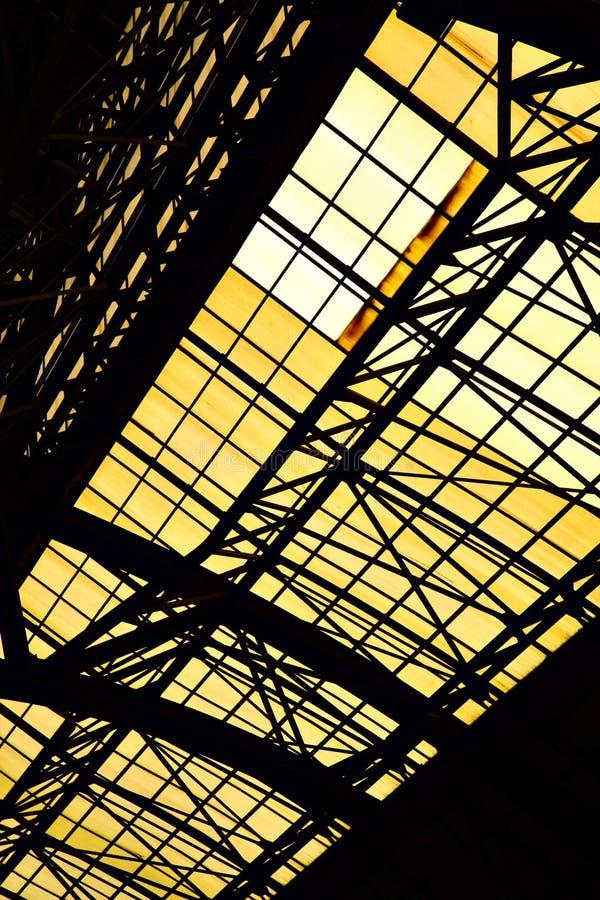 Plafond avec la fenêtre de lucarne photo stock