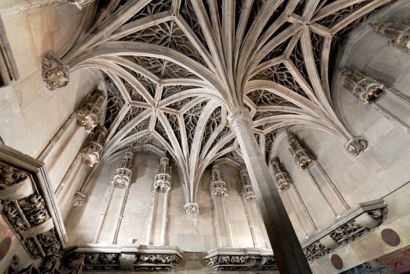 Plafond de voûte de chapelle médiévale image stock