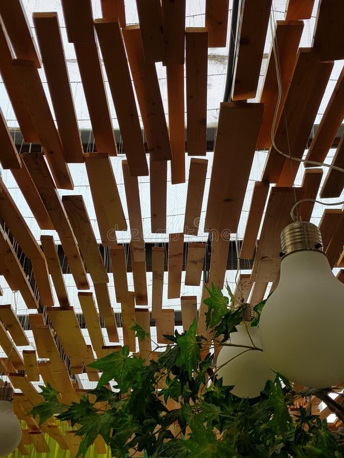 Plafond en bois images stock
