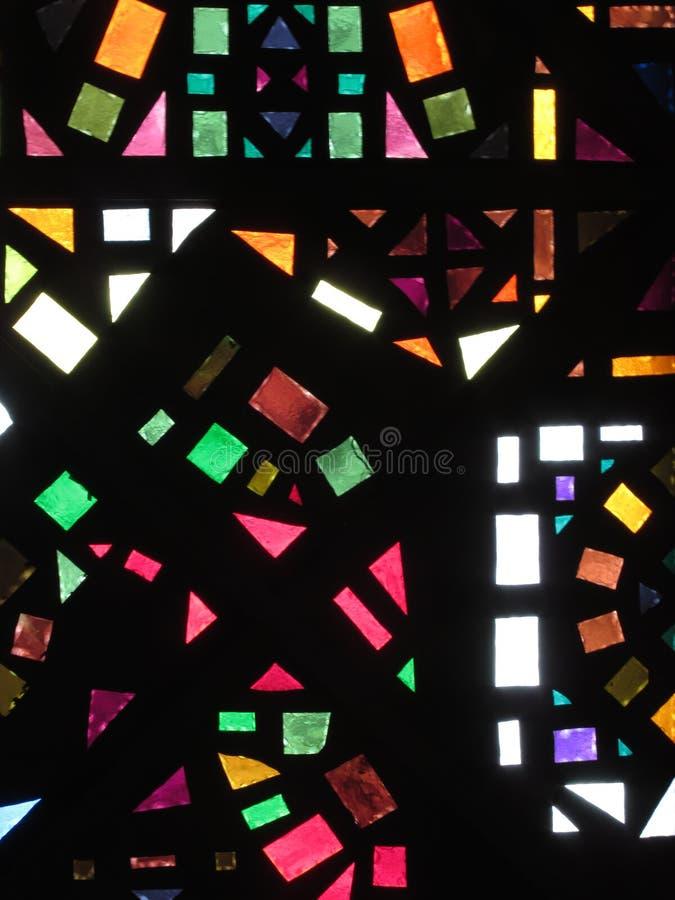 Plafond en verre souillé d'un bâtiment images stock