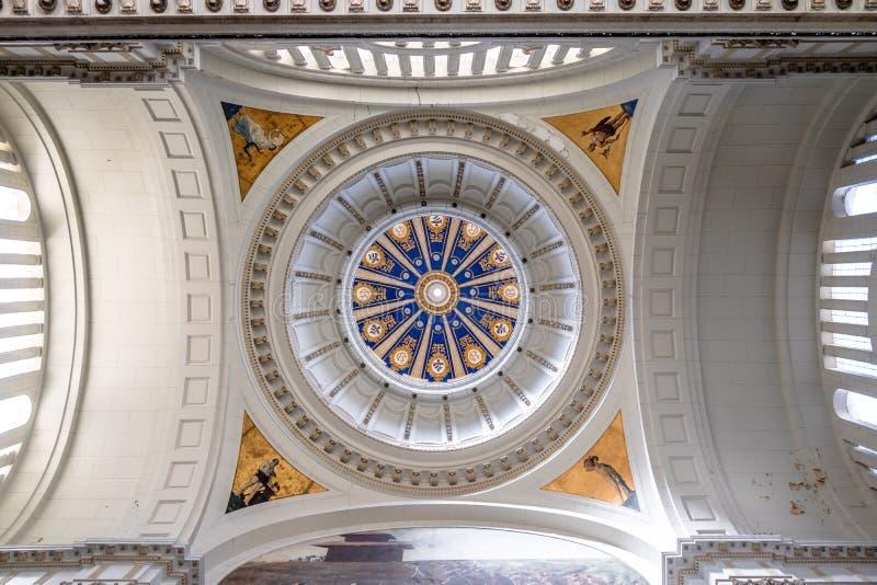 Plafond et dôme intérieur de musée de révolution, ancien palais présidentiel - La Havane, Cuba images stock