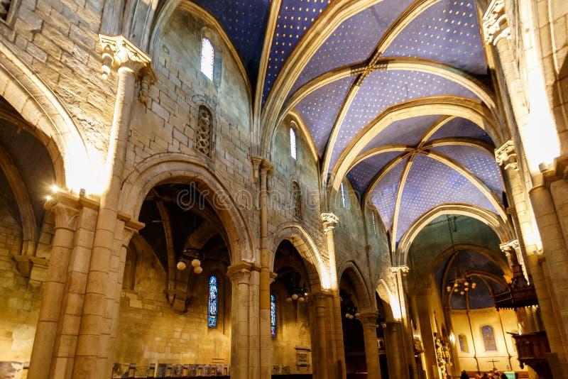 Plafond gothique sauté dans une église photographie stock