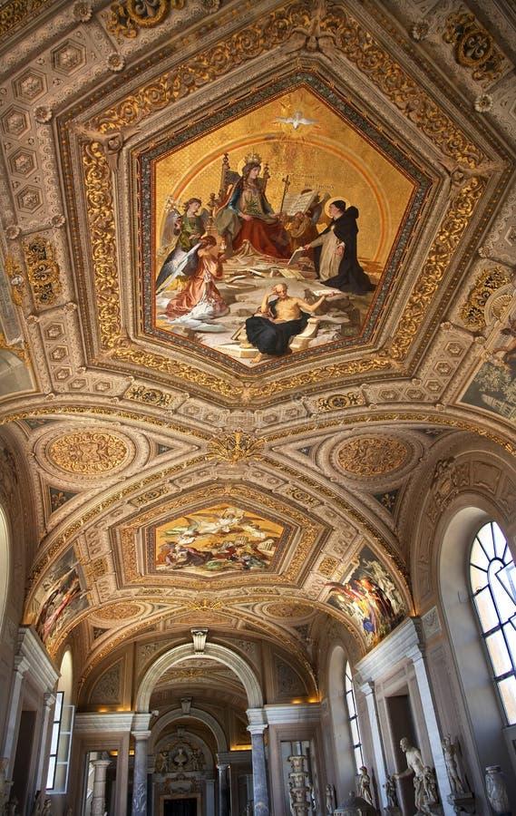 Plafond peint par musée Rome Italie de Vatican photo stock