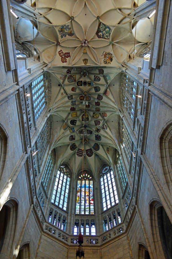 Plafond voûté - intérieur de l'église de St Barbara, Kutna Hora, République Tchèque images libres de droits