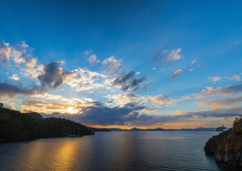 Plage à la mer Méditerranée Fethiye, Turquie photos stock